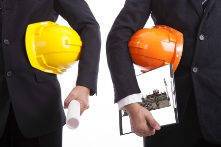 אחריות קבלן ראשי לליקויי בניה או אחריות יזם